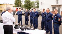 hidraulikus mentőkészlet átadása